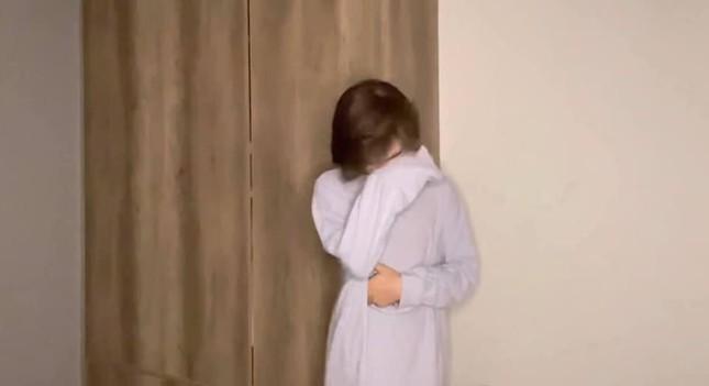 Hot TikToker Trần Đức Bo khóc nức nở trên sóng livestream, ẩn ý có người đứng sau hại mình ảnh 3