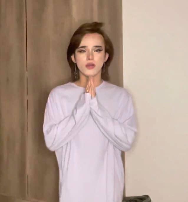 Hot TikToker Trần Đức Bo khóc nức nở trên sóng livestream, ẩn ý có người đứng sau hại mình ảnh 2
