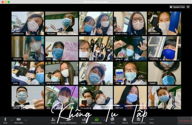 Teen THPT chuyên Phan Bội Châu chụp ảnh kỷ yếu mùa dịch theo thông điệp 5K của Bộ Y tế ảnh 5