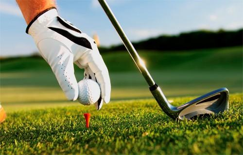 Giới trẻ phản ứng thế nào khi Golf trở thành môn chính thức tại ĐH Quốc gia Hà Nội? ảnh 1