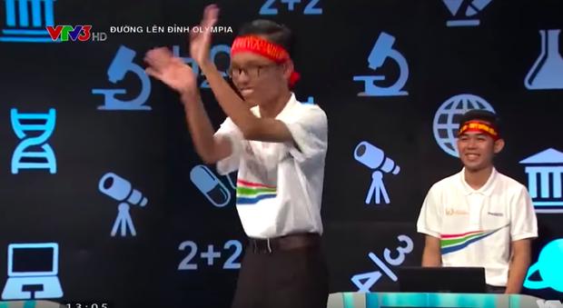 """Trước Việt Thái, đây là những thí sinh Olympia từng gây tranh cãi vì bị cho là """"làm lố"""" ảnh 3"""