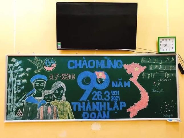 Sôi động Tháng Thanh niên: Hội học sinh đua nhau khoe màn trang trí bảng cực đẹp ảnh 3