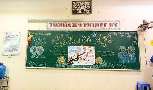 Sôi động Tháng Thanh niên: Hội học sinh đua nhau khoe màn trang trí bảng cực đẹp ảnh 4