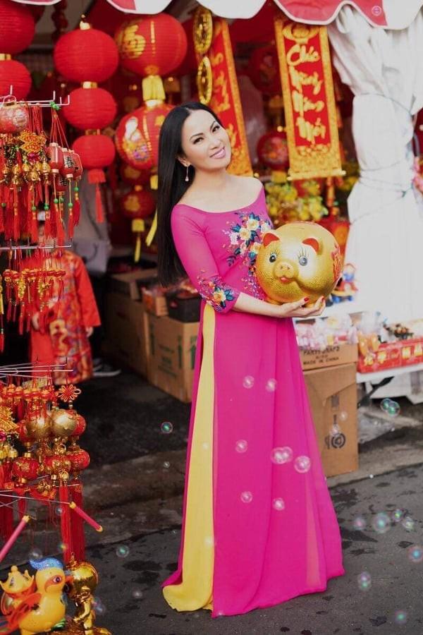 Hà Phương - vợ của 'Người Việt giàu nhất thế giới' làm việc thiện đầu xuân ảnh 1