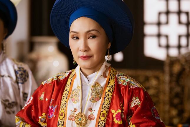 Phim cung đấu Việt: Gây thất vọng từ dàn phi tần già nhất lịch sử đến scandal mua vai ảnh 5