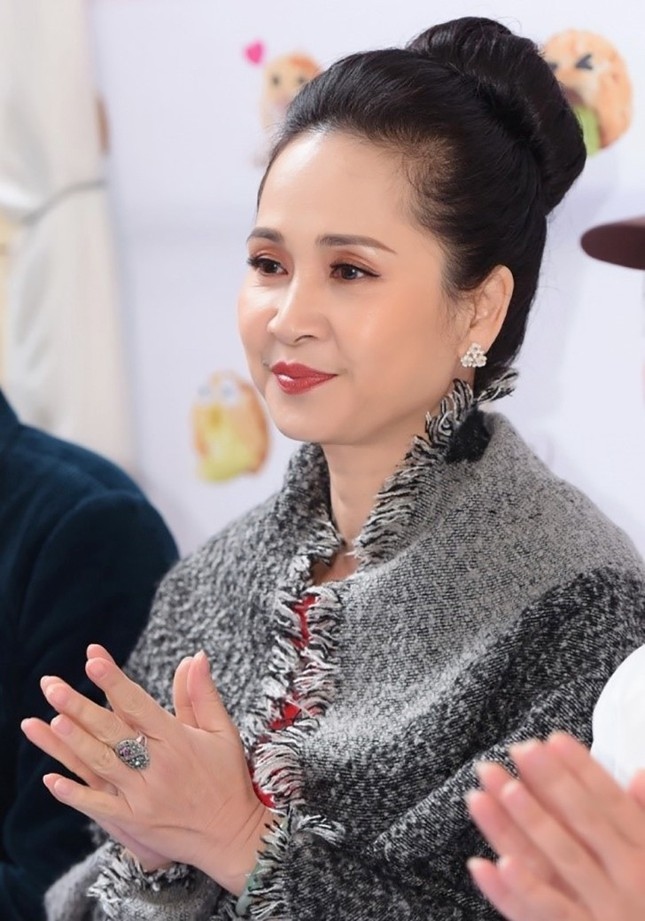 'Mẹ chồng quốc dân' Lan Hương nói không với dao kéo ảnh 3