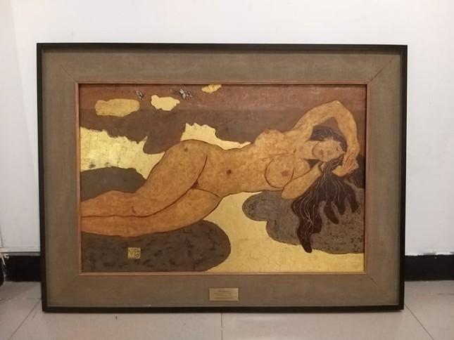 Vì sao tranh nude sơn mài của Đoàn Văn Nguyên giá cao? ảnh 1