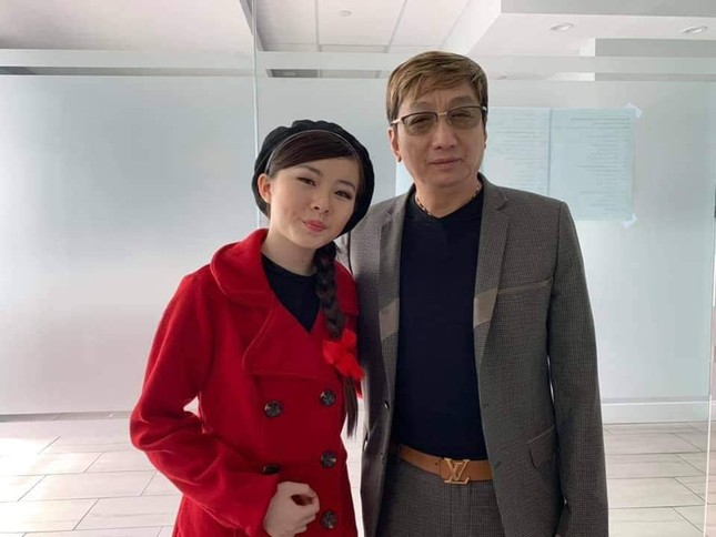 Con gái Như Quỳnh xuất hiện bên cạnh 'người tình không bao giờ cưới' của mẹ ảnh 7