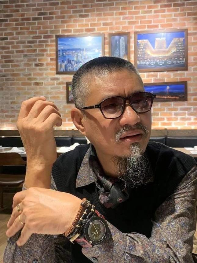 Họa sỹ Đào Hải Phong: 'Chia tay' đồ hiệu đã 10 năm nay ảnh 1