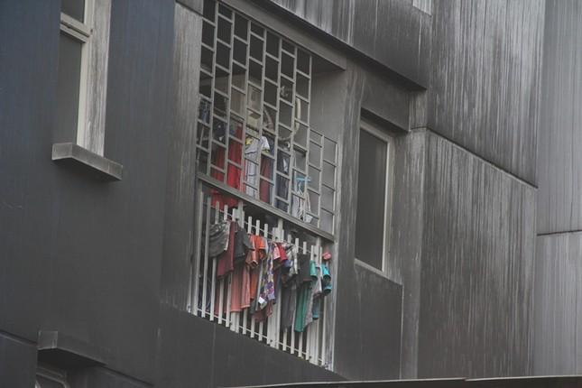 Hiện trường vụ cháy chung cư làm 13 người chết ở Sài Gòn ảnh 1