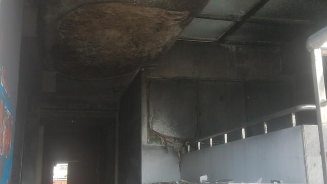 Hiện trường vụ cháy chung cư làm 13 người chết ở Sài Gòn ảnh 9