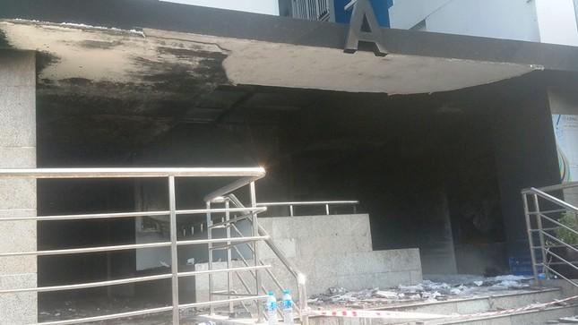 Hiện trường vụ cháy chung cư làm 13 người chết ở Sài Gòn ảnh 10
