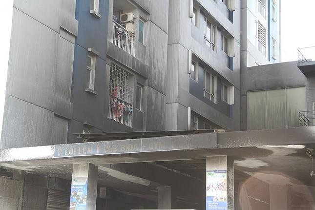 Bên trong chung cư Carina sau vụ cháy kinh hoàng làm 13 người chết ảnh 1
