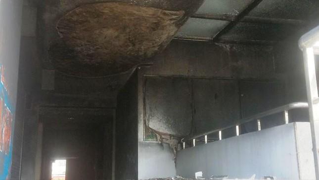 Bên trong chung cư Carina sau vụ cháy kinh hoàng làm 13 người chết ảnh 2