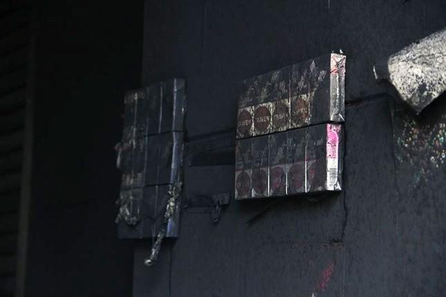 Bên trong chung cư Carina sau vụ cháy kinh hoàng làm 13 người chết ảnh 7