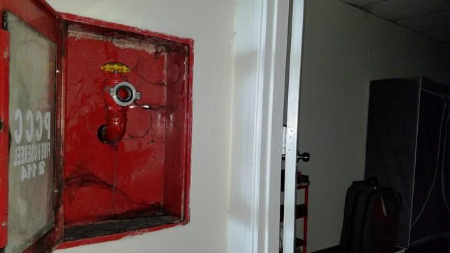 Bên trong chung cư Carina sau vụ cháy kinh hoàng làm 13 người chết ảnh 6