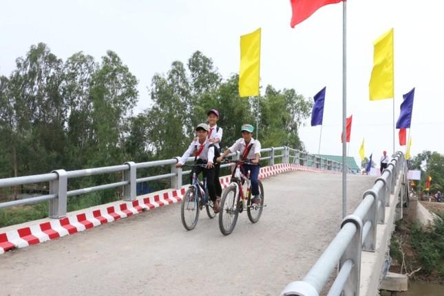 Người dân nghèo Đồng Tháp có thêm 7 cầu nông thôn mới ảnh 2