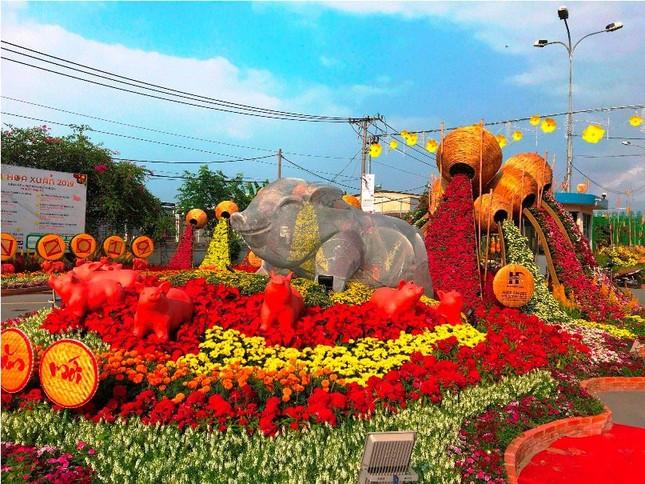 Những đường hoa không thể bỏ qua dịp Tết Nguyên đán ở Sài Gòn ảnh 2