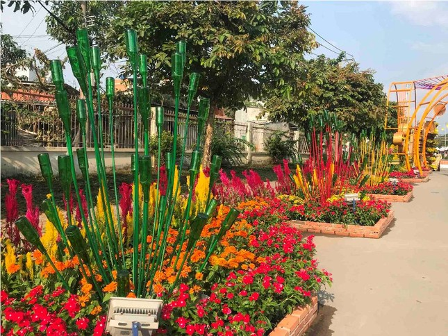 Những đường hoa không thể bỏ qua dịp Tết Nguyên đán ở Sài Gòn ảnh 7