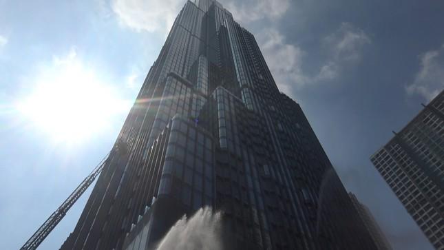 'Người nhện' đu dây trên toà nhà cao nhất Việt Nam cứu nạn nhân gặp hỏa hoạn ảnh 7