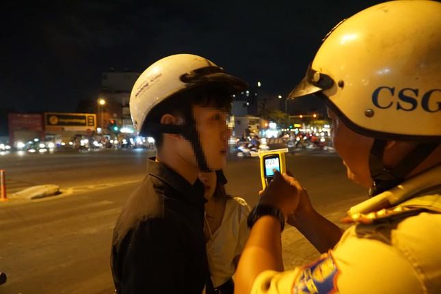 Dân nhậu ở Sài Gòn 'sốc' với mức phạt nồng độ cồn mới ảnh 6