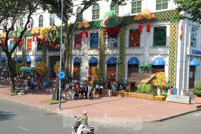 Người Sài Gòn háo hức trải nghiệm xe buýt 2 tầng mui trần lần đầu xuất hiện ảnh 12