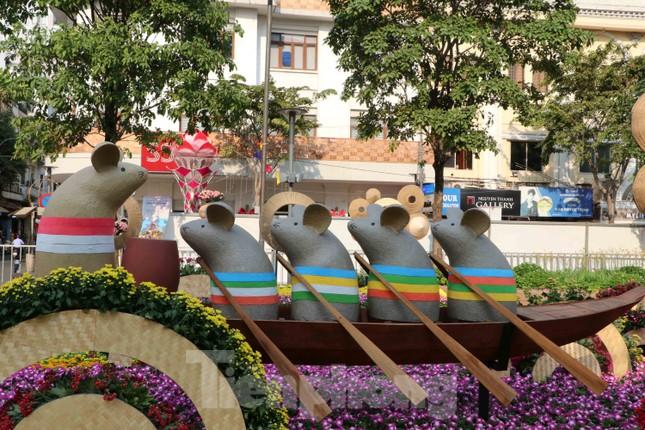 Cận cảnh đường hoa Nguyễn Huệ Tết Nguyên đán 2020 trước giờ khai hội ảnh 4