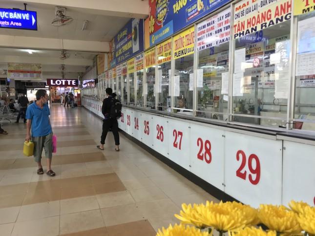 Bến xe lớn nhất Sài Gòn vắng lặng chiều 30 Tết ảnh 4