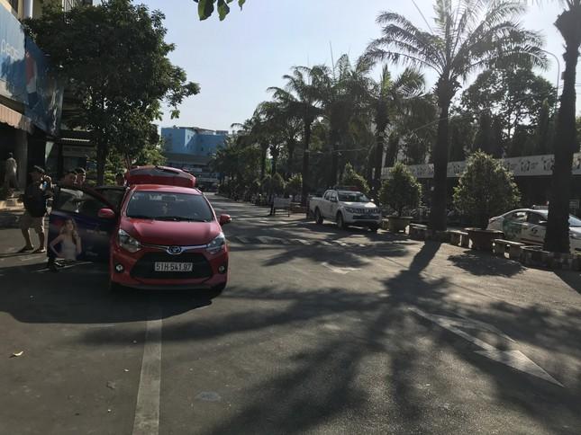 Bến xe lớn nhất Sài Gòn vắng lặng chiều 30 Tết ảnh 9