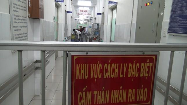 TPHCM căng mình chống dịch bệnh viêm phổi cấp dịp tết Nguyên đán ảnh 1