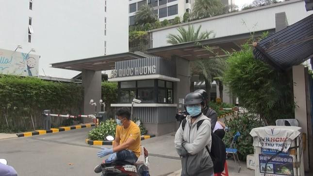 Phong tỏa hai chung cư cao cấp ở Sài Gòn vì Covid-19 ảnh 1