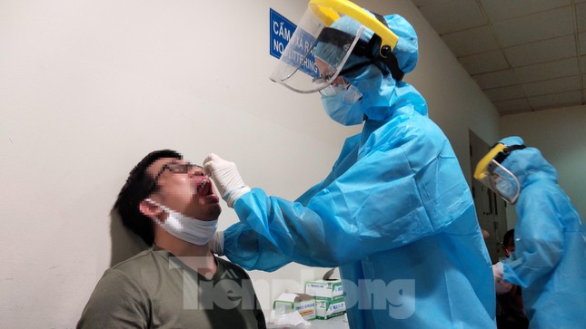 Khách khai báo y tế không đúng 'hành' nhân viên kiểm dịch ở sân bay Tân Sơn Nhất ảnh 8