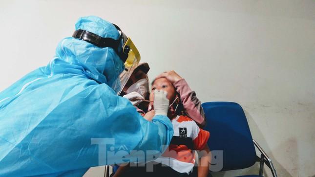 Khách khai báo y tế không đúng 'hành' nhân viên kiểm dịch ở sân bay Tân Sơn Nhất ảnh 7