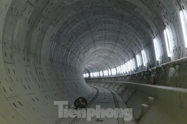 Chiêm ngưỡng nhà ga metro hiện đại đầu tiên dưới lòng đất Sài Gòn ảnh 5