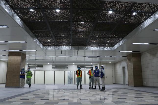 Chiêm ngưỡng nhà ga metro hiện đại đầu tiên dưới lòng đất Sài Gòn ảnh 2