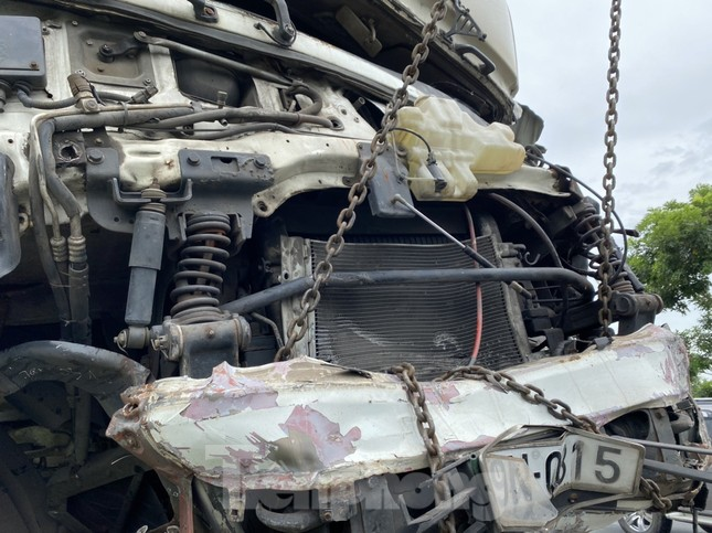 Nhân chứng vụ ô tô 'đấu đầu' 8 người chết tiếc nuối vì không đủ dụng cụ cứu nạn ảnh 2