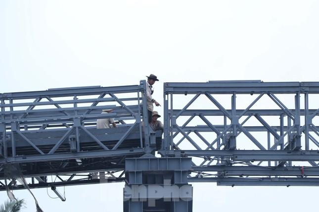Cận cảnh cây cầu thay thế bến phà cuối cùng trong nội thành Sài Gòn ảnh 3