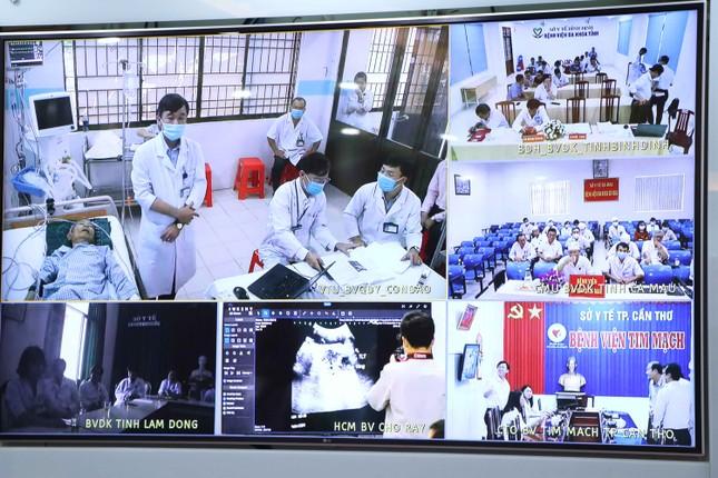 Bệnh viện Chợ Rẫy hội chẩn khám bệnh từ xa cho bệnh nhân khắp miền Nam ảnh 1