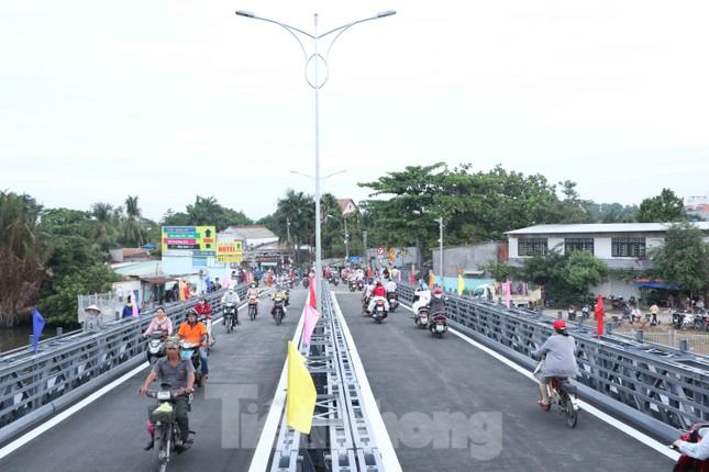Người dân Sài Gòn thoát cảnh 'qua sông lụy đò' ảnh 4