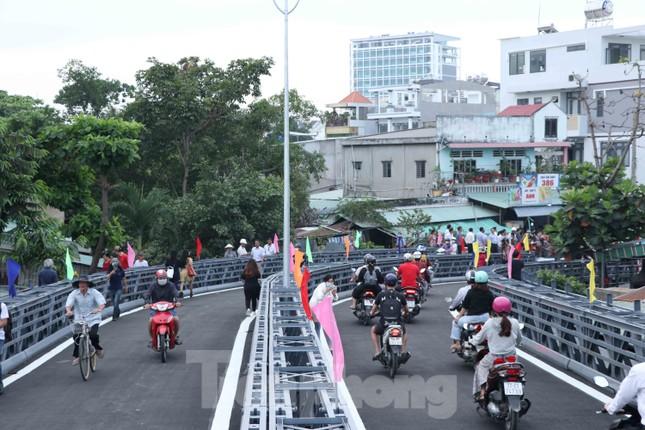 Người dân Sài Gòn thoát cảnh 'qua sông lụy đò' ảnh 8