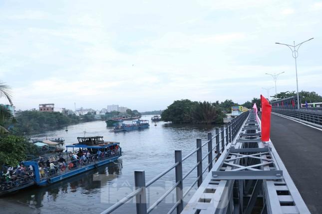 Người dân Sài Gòn thoát cảnh 'qua sông lụy đò' ảnh 9