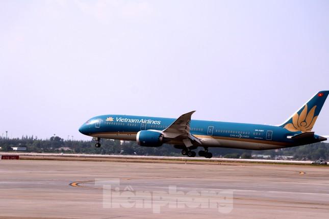 Cận cảnh đường băng nghìn tỷ ở sân bay Tân Sơn Nhất ảnh 4