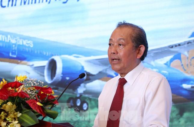 Cận cảnh đường băng nghìn tỷ ở sân bay Tân Sơn Nhất ảnh 2