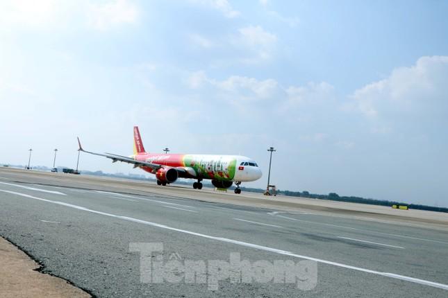 Cận cảnh đường băng nghìn tỷ ở sân bay Tân Sơn Nhất ảnh 10