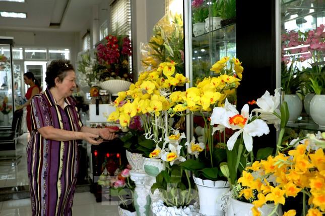 Gặp gia đình nghệ nhân ba đời làm hoa đất sét ở TPHCM ảnh 11
