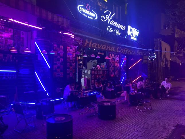 Ba quán nhậu ở TPHCM bị xử phạt vì mở nhạc quá lớn ảnh 1