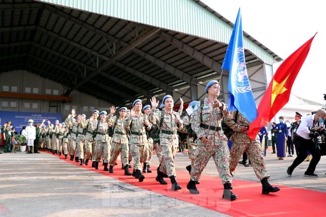 Những 'bóng hồng' quân đội Việt Nam lên đường làm nhiệm vụ quốc tế ảnh 1
