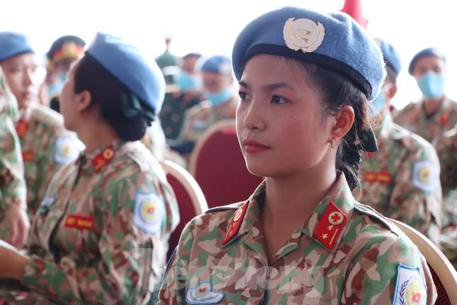 Những 'bóng hồng' quân đội Việt Nam lên đường làm nhiệm vụ quốc tế ảnh 7