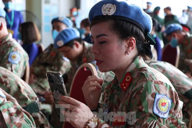 Những 'bóng hồng' quân đội Việt Nam lên đường làm nhiệm vụ quốc tế ảnh 9