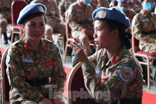 Những 'bóng hồng' quân đội Việt Nam lên đường làm nhiệm vụ quốc tế ảnh 8